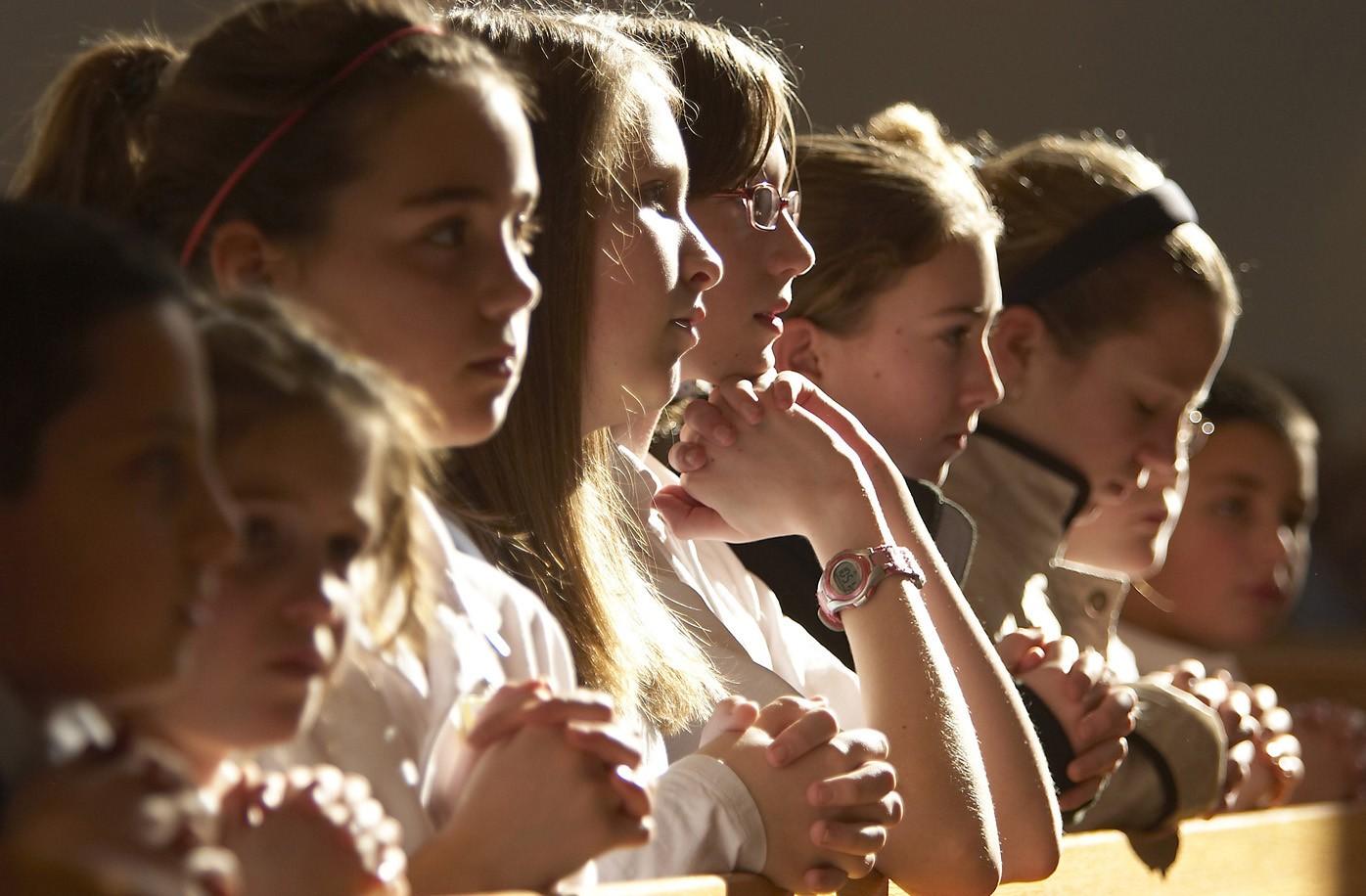 Inscripción e inicio de catequesis de comunión y confirmación